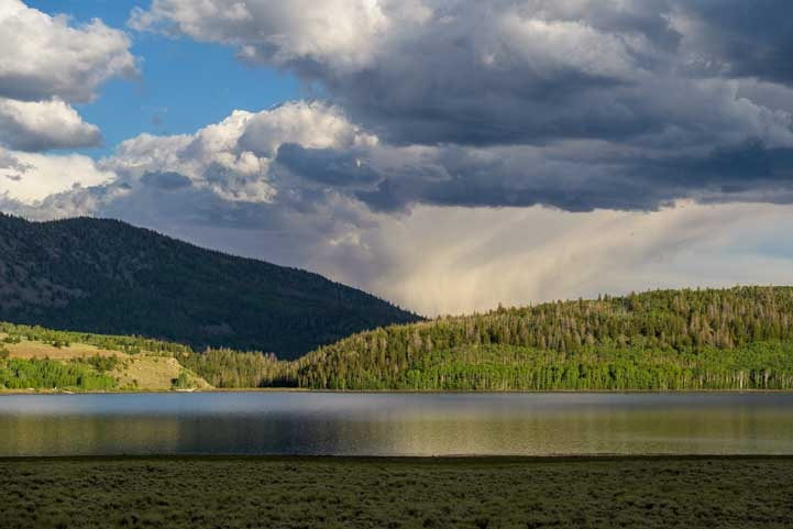 Dramatic scenery at Fish Lake Utah-min