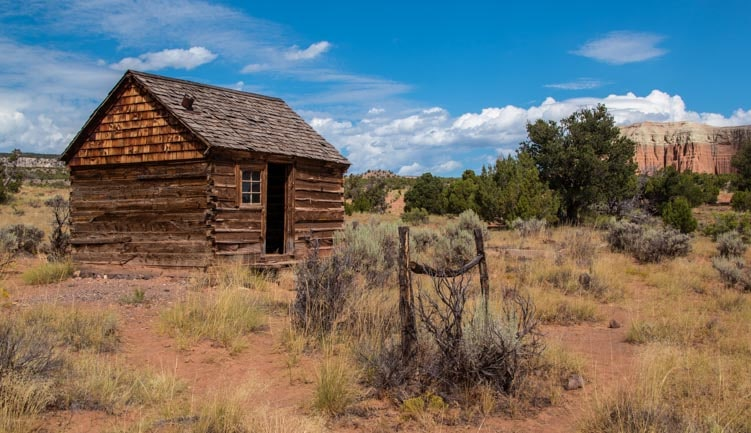 Old cabin and hitching post Cathedral Valley Capitol Reef National Park Utah-min