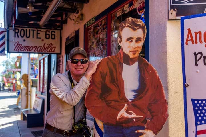 Posing with James Dean Seligman Arizona on Route 66-min