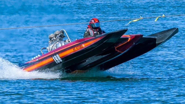 Hole shot at Blue Water Casino drag boat race-min