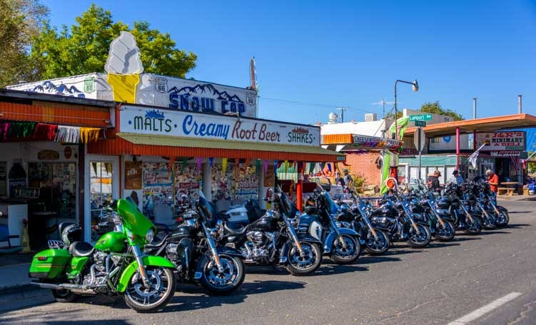 Motorcycles Seligman Arizona on Route 66-min