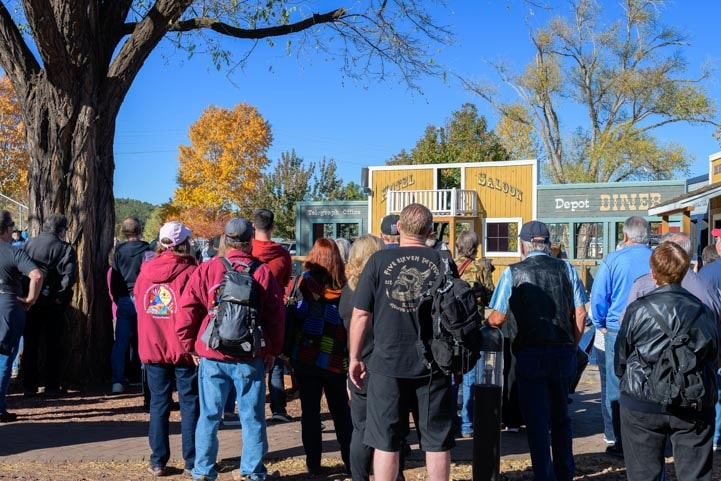 Crowd gathers at old west gunfight-min