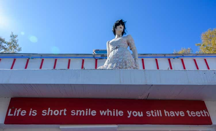 Life is short Seligman Arizona on Route 66-min