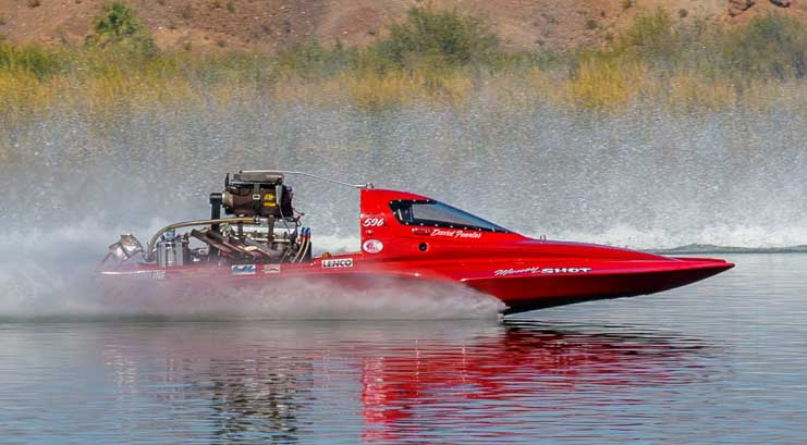 Drag boat race on Lake Havasu in Parker Arizona-min