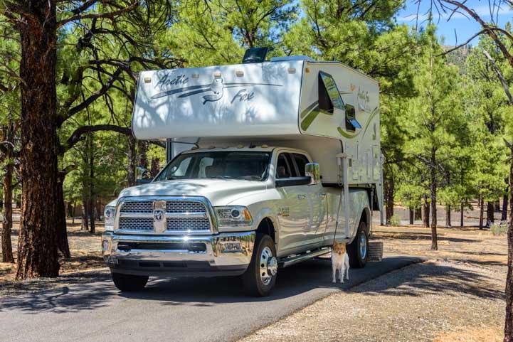 2005 Arctic Fox 860 truck camper on 2016 Dodge Ram dually truck