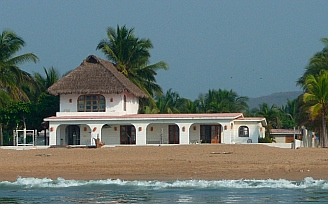 Homes along the beach at Chamela Bay (Bahia de Chamela)