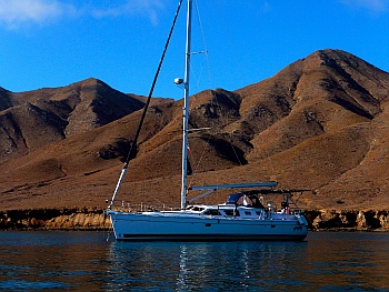 Sailing down the Pacific Baja coast on our cruise to Mexico we anchored s/v Groovy in Bahía Sant Maria, Mexico