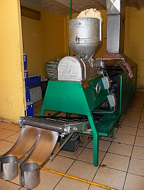 Tortilla machine in La Cruz