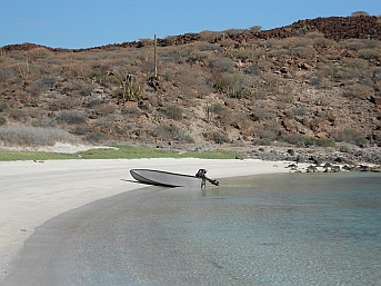 Hidden beach at Isla Coronado, Baja California Sur, Mexico