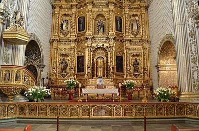 Fantastic gold decorations inside the Santo Domingo Cathedral in Oaxaca, Mexico