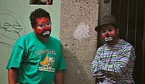 Street performers in Oaxaca, Mexico