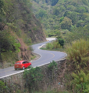 Twisty mountain roads from Tapachula to San Cristobal