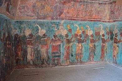 Yaxchilan & Bonampak Tour - Room 1: Pomp and circumstance for the presentation of Chaan Muan II's infant heir.
