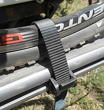 Strap cinching system for Kuat bike rack