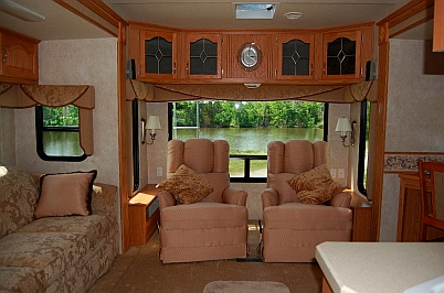 RV Living room area of 2007 NuWa Hitchhiker 34.5 RLT fifth wheel